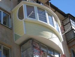 объединение комнаты и балкона в Мысках